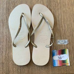 Havaianas, 41-42, tan, gold thin strap w/jewel,new